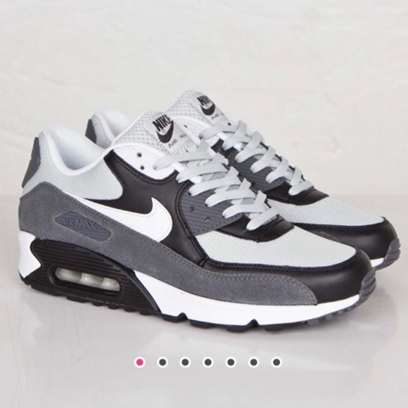 black nike air max size 8